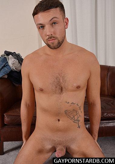 Gay Porn Star Leo Jenson