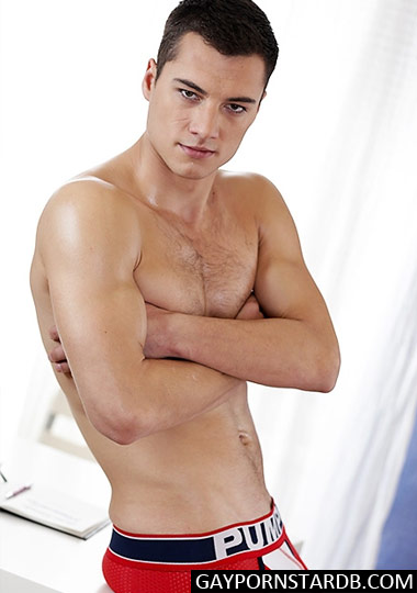 Troy Vara