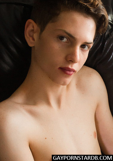 Gay Porn Star Riley Finch